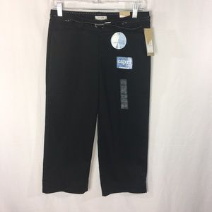 Dockers NWT Capri with Belt Truly Slimming Size 4